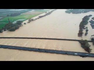 Потопы по всему миру