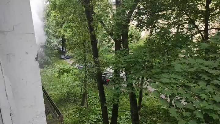 На Костюшко 28 бьёт фонтан кипятка до 4 этажа
