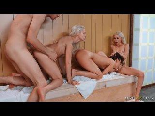 Porno. Устроили групповуху в бане