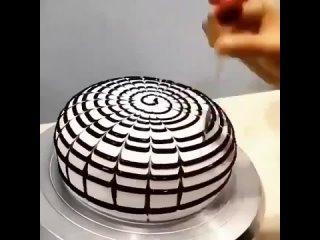 Оригинальное украшение торта