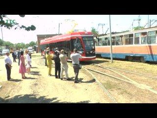Новый таганрогский трамвай совершил первую поездку..mp4