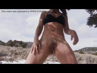 Alina Lopez public pissing