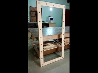 Рама из дерева для гримёрного зеркала