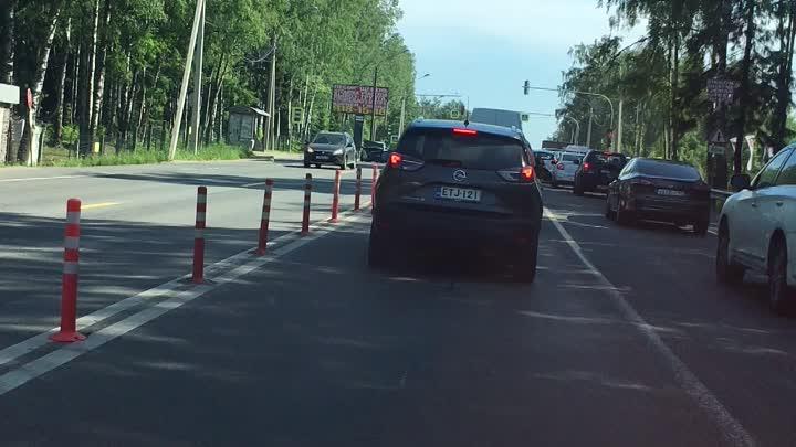 Легковая въехала в зад Ситимобилю на Выборгском шоссе за Сертоловом. Собралась небольшая пробка в с...