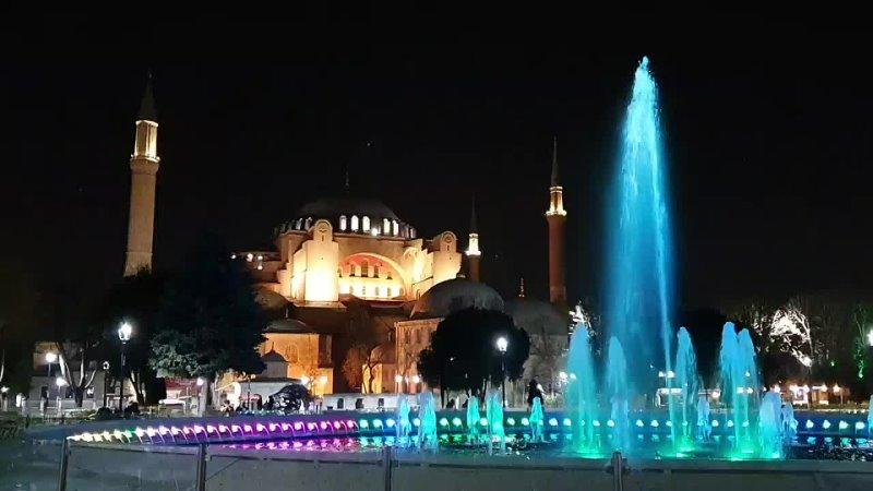 Вечерний азан площадь Султанахмет Стамбул Турция март 2021