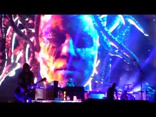 Guns N' Roses - Absurd live,