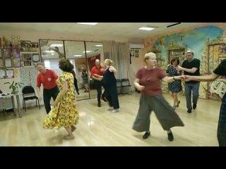 Танцевальный клуб Чикаго- школа ДЖАЗОВЫХ танцев! kullanıcısından video