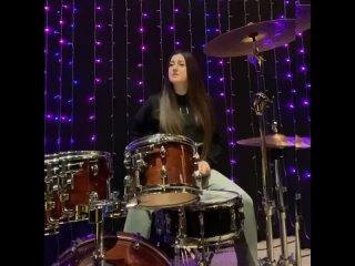 Аделина на барабанах 🔥 Артур Халатов «Моя родная ты мой дом».webm