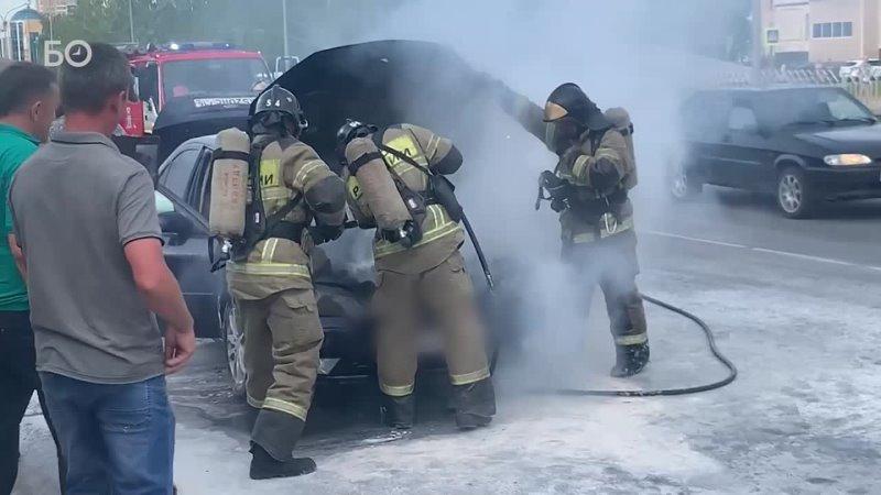 В Набережных Челнах прямо по ходу движения загорелся автомобиль Форд фокус