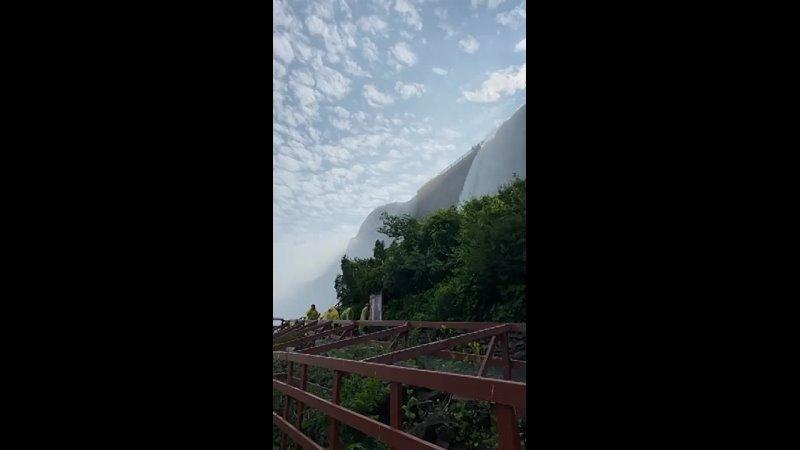 ဒုတိယပိုင် Niagara Fall Canada နဲ့ USA နယ်စပ် 360p mp4
