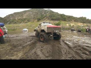 [Pavel Suslov] ГАЗ 66 на БЕЗДОРОЖЬЕ в Америке! Что такое OFF ROAD в США? Mudding. Как взять Jeep Wrangler за 40$?