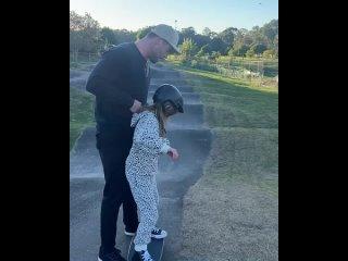 Крис Хемсворт с дочкой