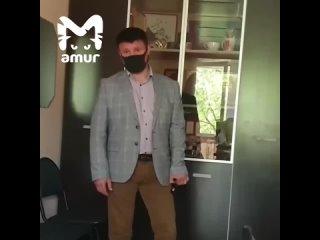 """Главред """"Углегорских новостей"""" сняла на видео, как её вместе с сотрудниками выгоняли из редакции"""