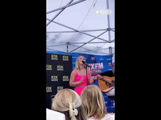 Zara Larsson performed Look What Youve Done at a wedding at Swedish Summer Fest held by @RIXFM