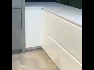 Идея для владельцев углового шкафа