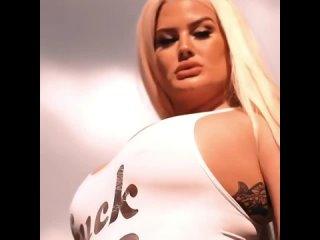 Julie Cash во всей красе #BigAss #Nice #Twerk #BigBoobs #BigBooty #Milf #Pornstars #Hot