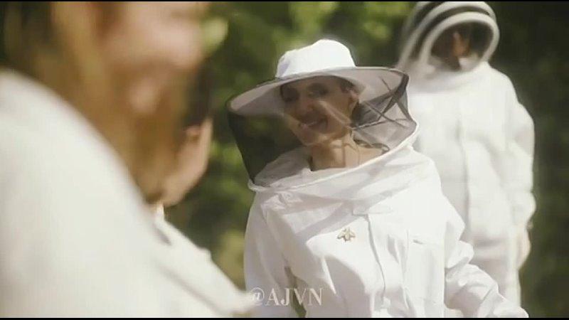 21 июля 2021 Анджелина на ферме Sainte Baume Bee Франция