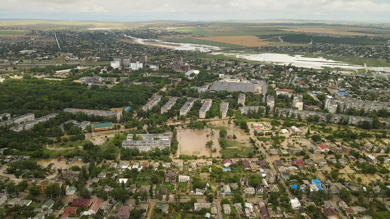 Потоп в Керчи Последствия с высоты птичьего полета Ночной дождь затопил город 720p mp4