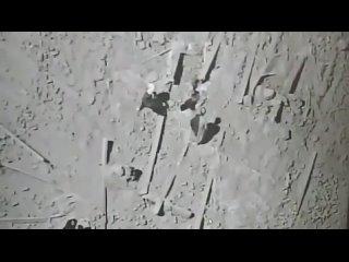Талибы собирают своих убитых бойцов, после авиаудара ВВС Афганистана.