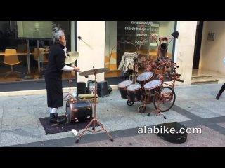 Drum Juggling Street Performer in Zaragozao  • 2016