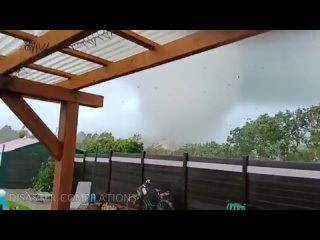 Торнадо в коммуне Гросхайде, Германия 16 августа 2021
