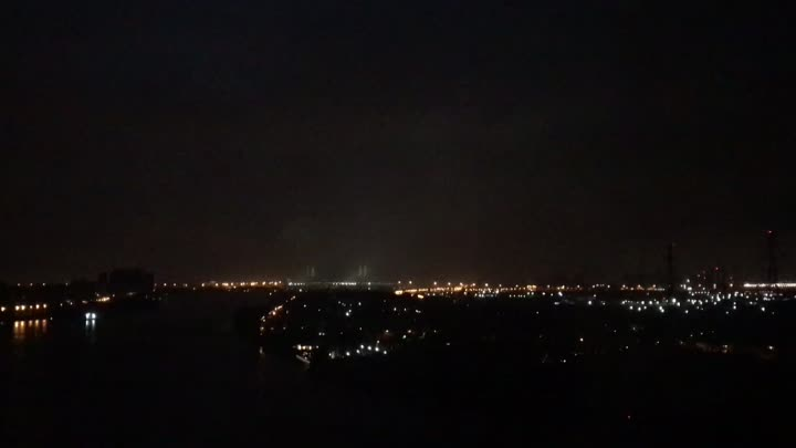 Вот такая эпичная гроза в ночь Алых Парусов с высоты птичьего полёта)