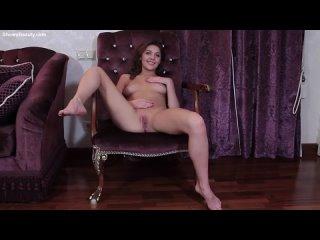 Девушка мастурбирует в ожидание своего парня (Порно Sex трах Fuck Домашнее porno Любительское teen XXX young домашка)