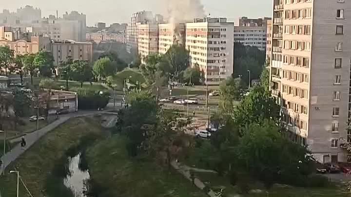 На Дачном 8к1 пожар. Службы уже на месте.
