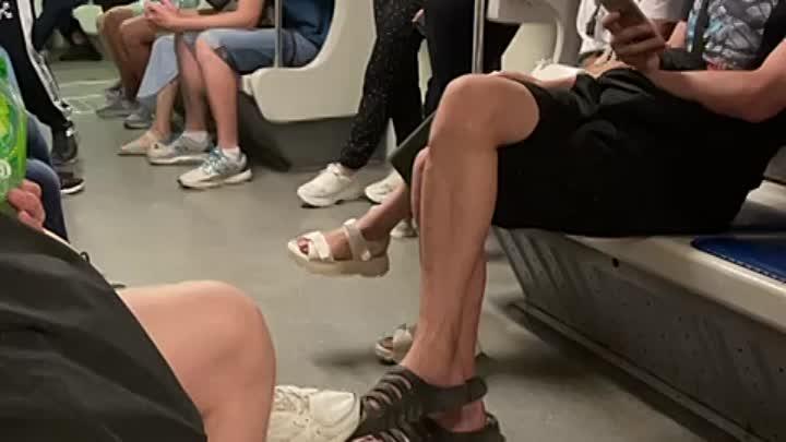 На станции метро Обводный канал пассажир упал на пути. Ехавший поезд от Пушкинской до Обводного кана...