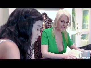 Savannah Sixx, Kit Mercer Big tits на публике секс порно анал большие сиськи член крупным планом эротика sex porn fap горловой м