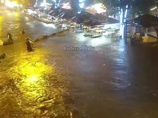 😨Вода по пояс - потоп в Одессе