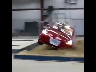 Краш-тест Tesla