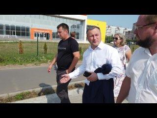 Мэр проверил работы по благоустройству Псковской улицы