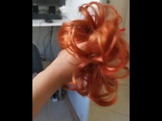 Резинка из волос рыжего оттенка
