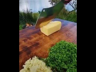 Чесночная булочка с сыром