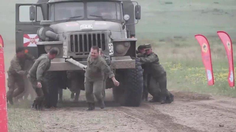 У лидеров гонки на армейском ралли мотор сломался перед финишем