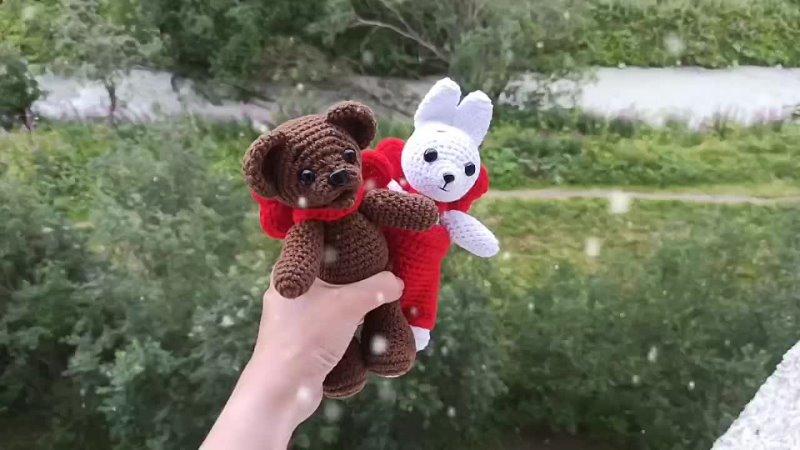Зайка и Мишка из м ф Когда зажигаются ёлки