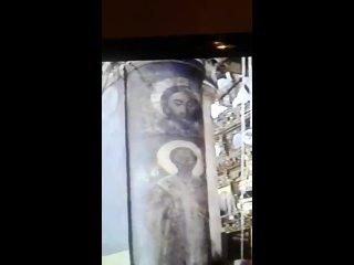 Фреска на колонне - Нерукотворенный Образ Христов в Вифлеемской Церкви Рождества.