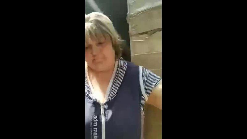 Проблядь хочет в пизду поможем ей туда попасть