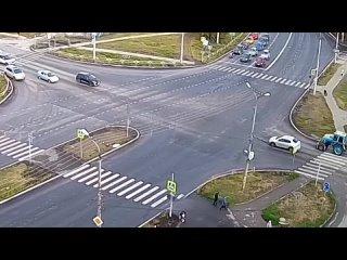 Сегодня, утром в Каменске-Уральском на перекрестке...