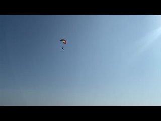 Видео от ParAAvis - парашюты, парапланы,кайты,парамоторы