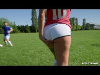 Martina Smeraldi - The Soccer Cocksucker [All Sex, Hardcore, Blowjob, Gonzo]