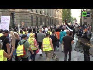 LIVE_ Paris – Proteste gegen Impfpflicht und Gesundheitspass (1080p_30fps_H264-128kbit_AAC)