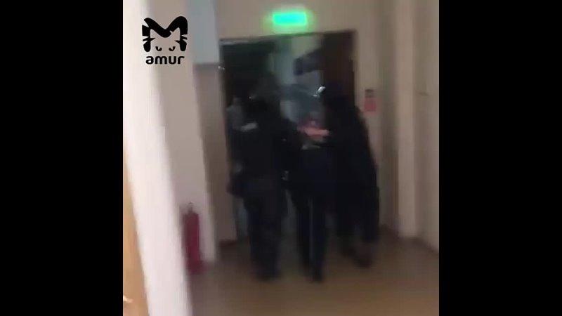 Хабаровский заключённый вышивал коврики с запрещённой символикой делал чётки и рисовал сцены казни полицейских