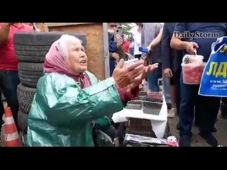 Бабуля, ветеран войны, высказала Жириновскому в глаза всё, что о нём думает {}