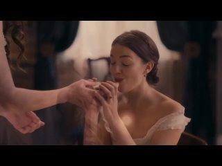 "Hailee Steinfeld, Ella Hunt  в сериале ""Дикинсон"""