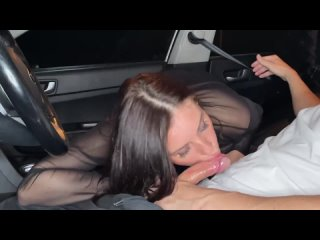 Отсосала и дала в машине