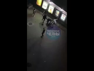Массовая драка в Набережных Челнах.mp4