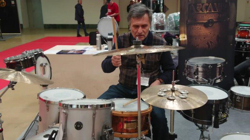 Валерий Кошелев художник фотограф барабанщик и просто очень приятный человек за установкой ARCANUM Drum Company 1