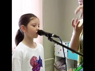 Поставь звук на опору! 🗣⠀Да! Дыхание и опора в вокале имеют важное значение!☝🏻⠀От правильности, ровности и силы выдыхаемого